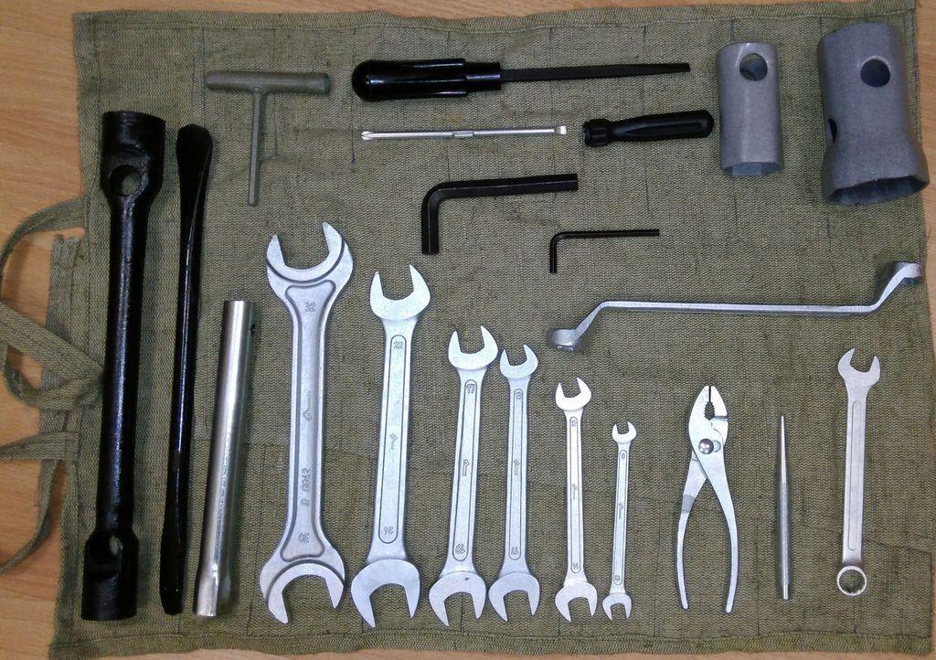Инструменты для снятия аккумулятора Весты