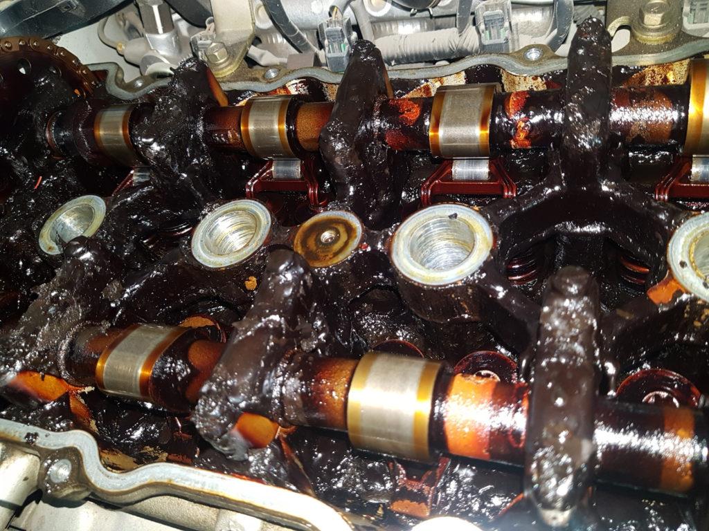 Отложения масла в двигателе Весты