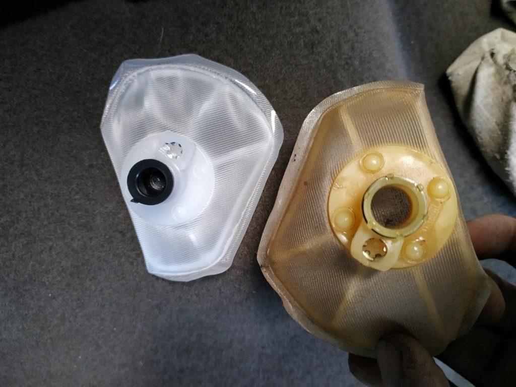 Чистый и грязный фильтр топлива Калины